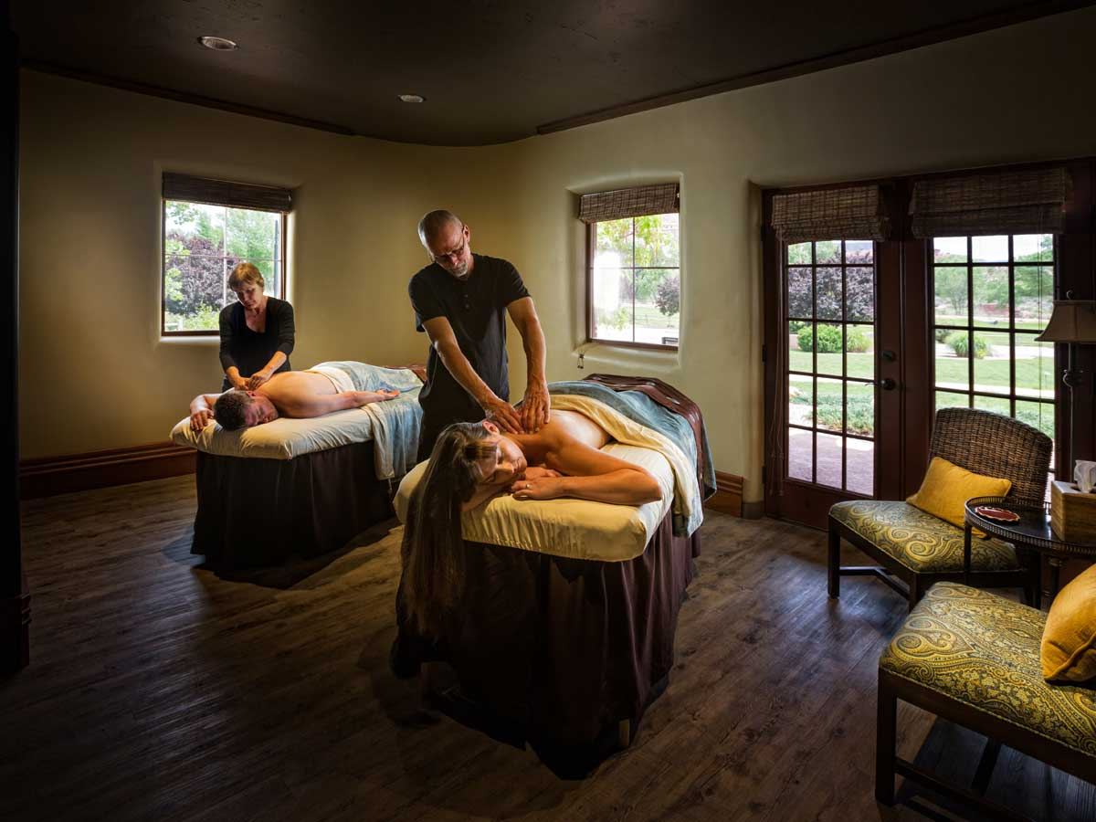 Couples massage at Gateway Canyons Resort
